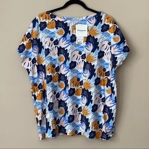 Uniqlo x Finlayson navy printed short sleeve top
